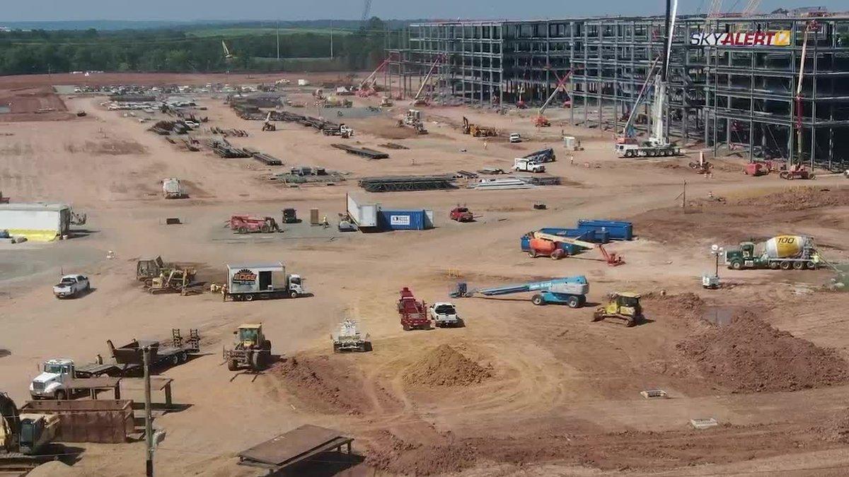 Construction progress at Amazon fulfillment center in Shreveport