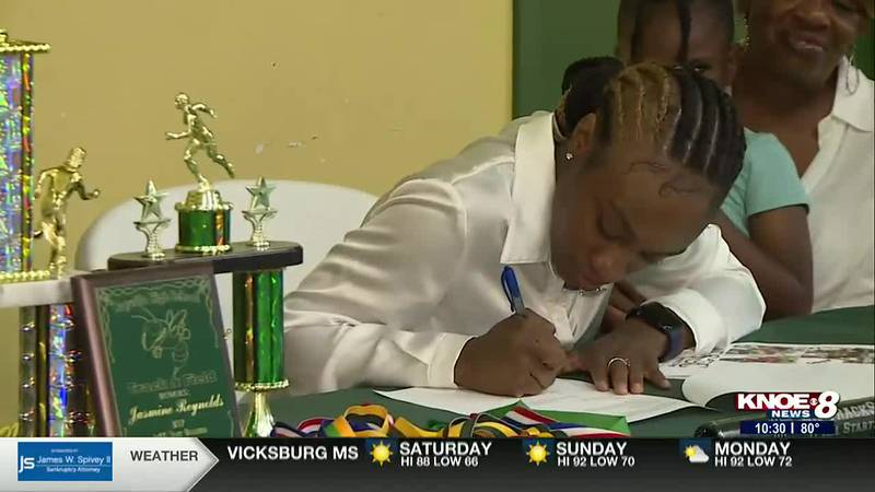 Rayville High School track star Jasmine Reynolds signs to compete at the next level at Fort...