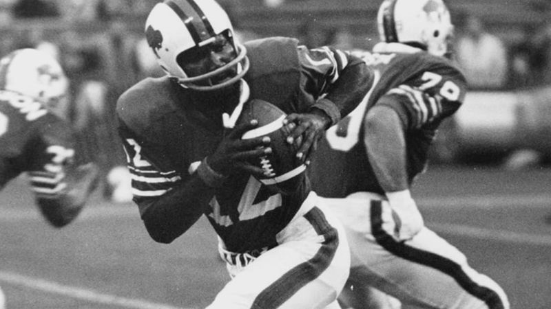 Former Grambling and Carroll quarterback Shack Harris was a pioneer in the NFL.
