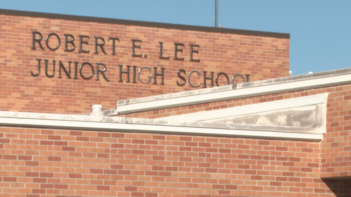 Robert E. Lee Jr. High in Monroe